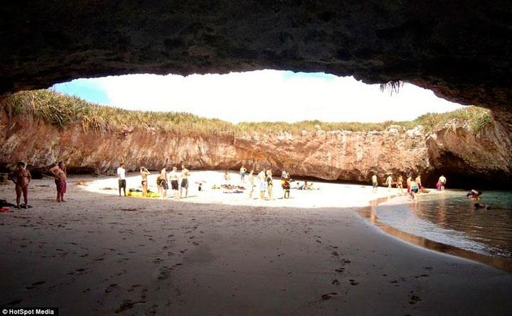 isla-marieta-playa-secreta-escondida