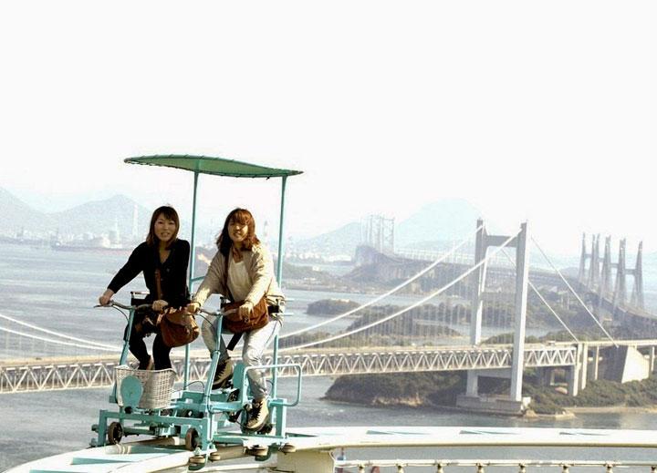 skycycle-parque-atracciones-decadente
