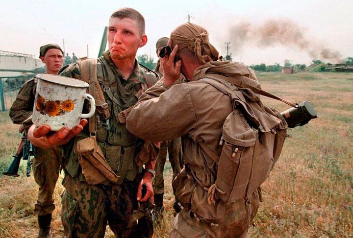 soldados-hambrientos-guerra-chechenia