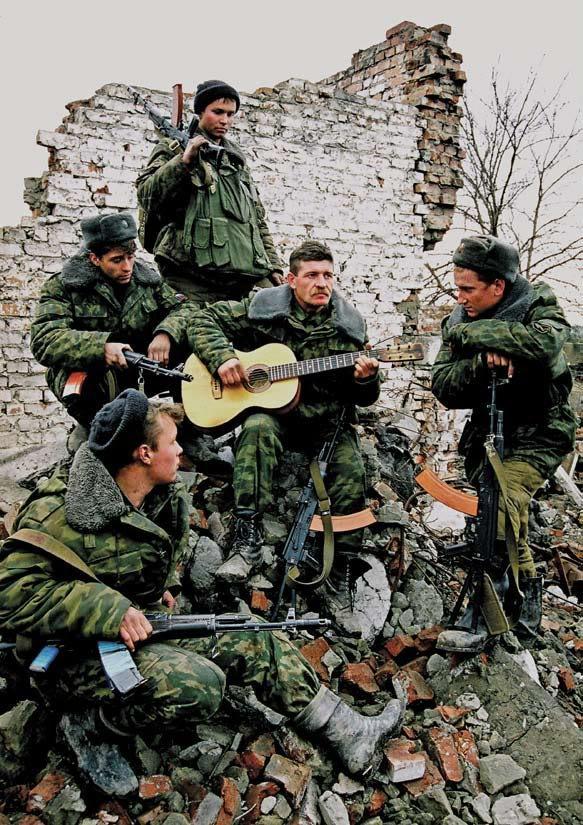 soldados-rusos-cantando-guerra