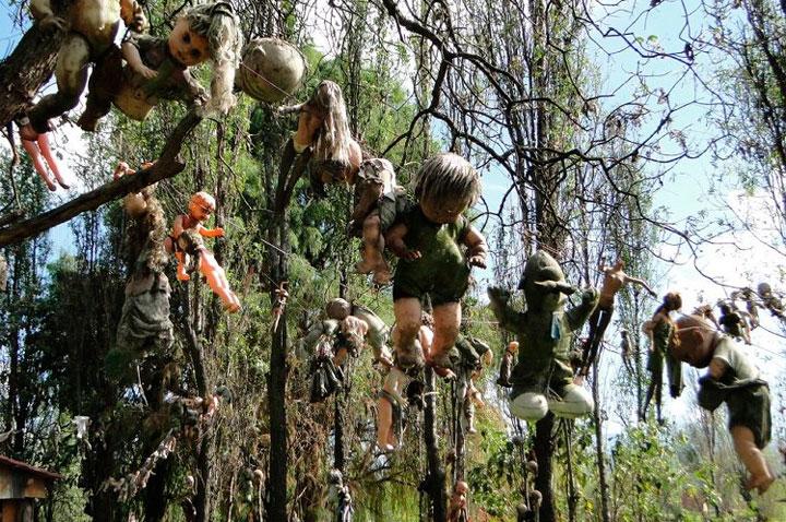 Lugares turísticos que dan miedo: La isla de las muñecas en México