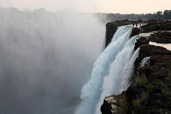 piscina-diablo-cataratas-victoria-zambia