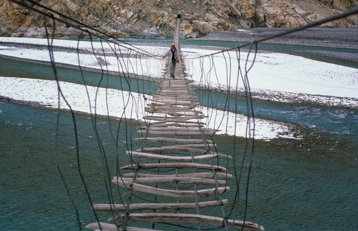 puente-hussaini-destino-turistico-acojonante