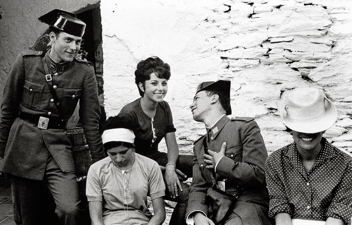 Guardia Civil ligando Cadaqués 1962