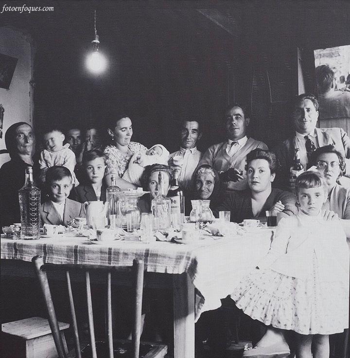 Familia reunida en domingo Galicia rural